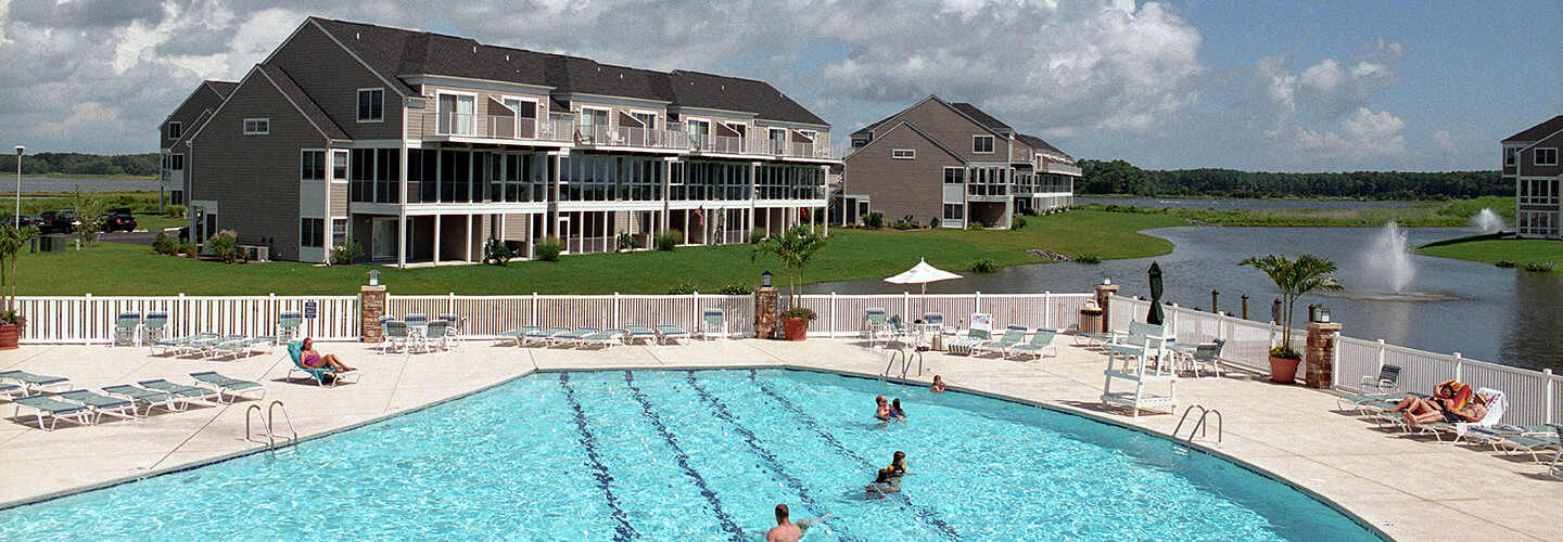 18_bayville-pool Bayville Shores Community Amenities - Jack Daggett